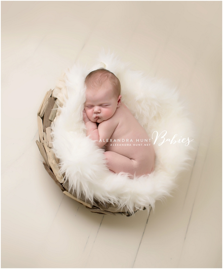 natural organic newborn photography | Alexandra Hunt Photography
